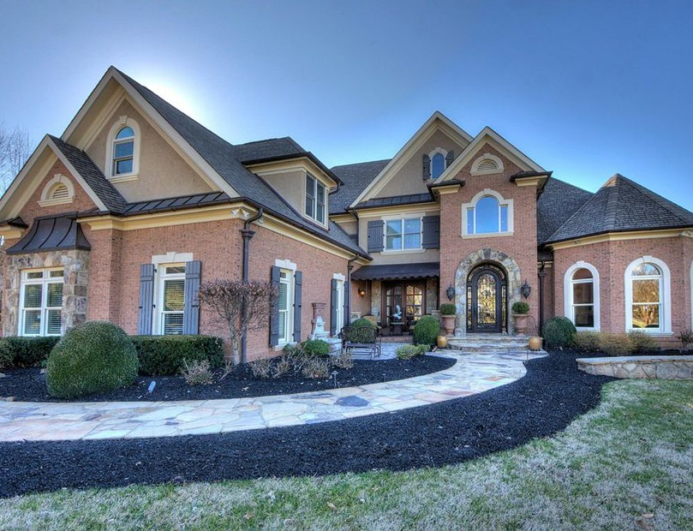 Global Luxury Spotlight – 3660 Jackson Point Drive Louisville, TN