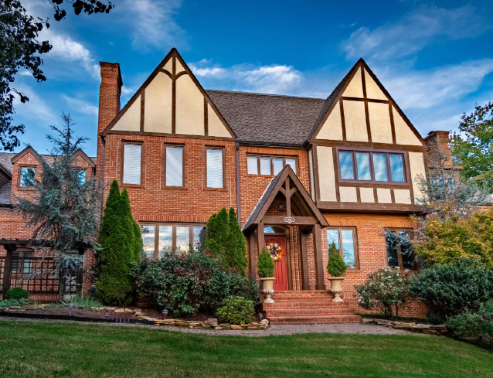 Global Luxury Spotlight – 1838 Royal Harbor Drive Knoxville, TN