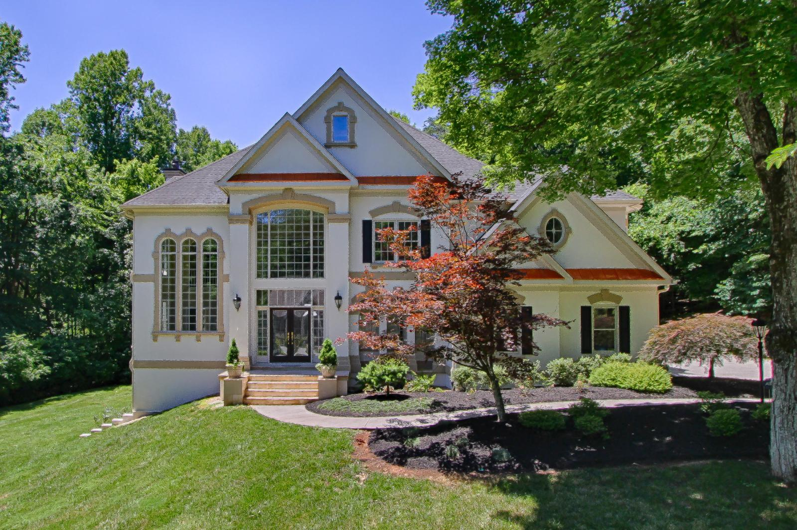 Global Luxury Spotlight – 7515 Cherokee Springs Way, Knoxville, TN