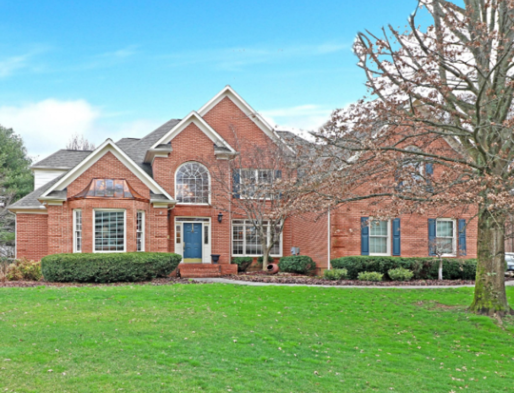 Global Luxury Spotlight – 220 Sandringham Court Knoxville, TN