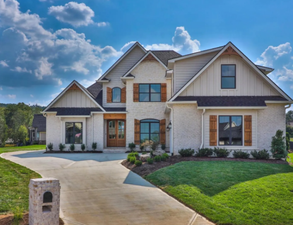 Global Luxury Spotlight – 12409 Golden Shore Way Knoxville, TN